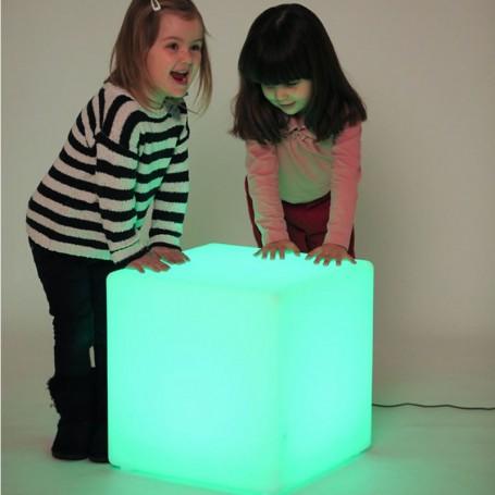 Cubo Sensorial Luminoso c/ Controlador 16 Cores